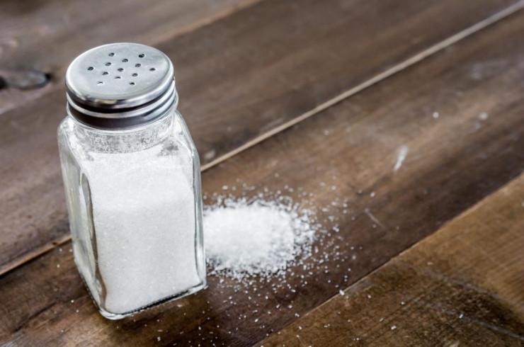 сколько соли дают собаке